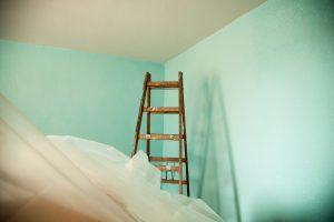 https://pixabay.com/de/photos/umzug-renovierung-malerarbeiten-3973175/